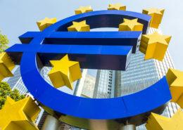 EZB-Frankfurt-Euro-Zeichen