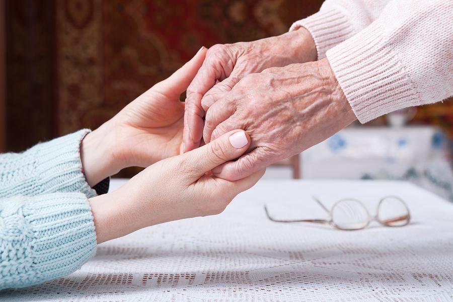 Pflege und sozialer Kontakt erhöht die Lebensqualität